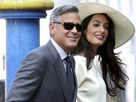 George Clooney phan khich cuc do khi biet vo mang song thai - Anh 2