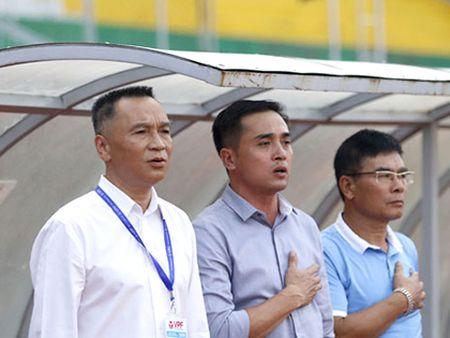 Cong Vinh thuong vuot khung, CLB TP.HCM khong nghi tap - Anh 2