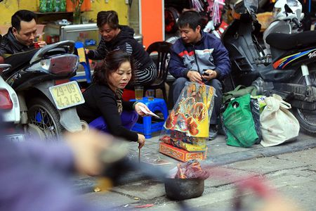 Tien Ong Cong, ong Tao tren pho Ha Noi - Anh 6
