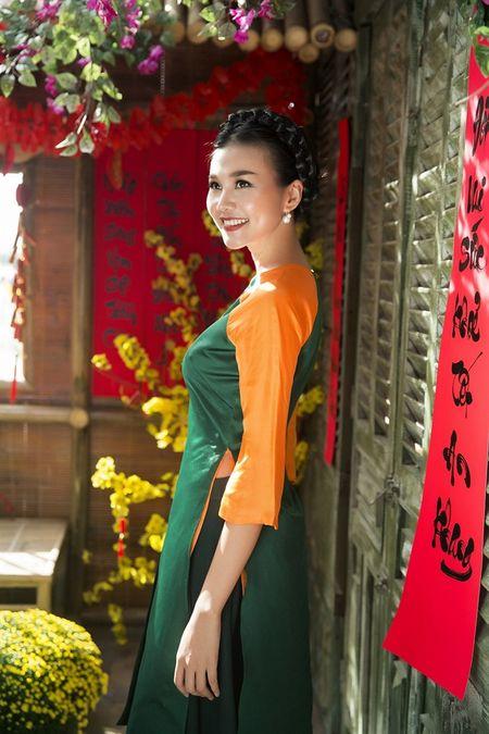 Sieu mau Thanh Hang rang ro voi 9 mau ao dai cach tan nhieu mau sac dien Tet - Anh 3