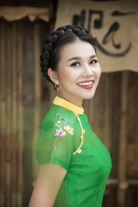 Sieu mau Thanh Hang rang ro voi 9 mau ao dai cach tan nhieu mau sac dien Tet - Anh 7