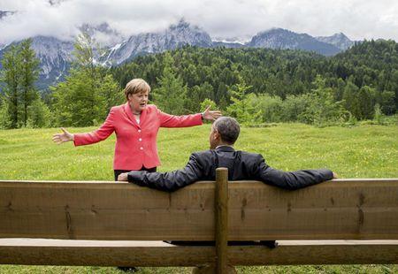 Chum anh: Ong Obama voi ban be va doi thu - Anh 2