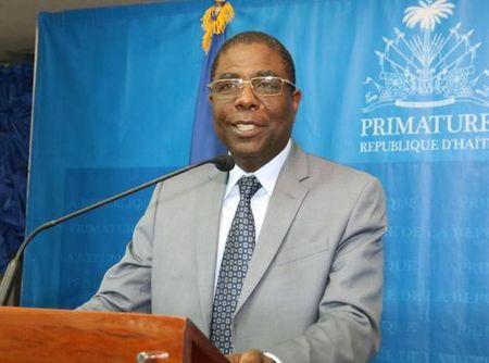 Thu tuong Haiti Enex Jean-Charles chinh thuc de don tu chuc - Anh 1