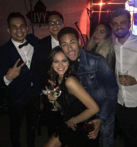 HAU TRUONG (10.2): Ronaldo thanh ga he, Neymar quay tung bung - Anh 8
