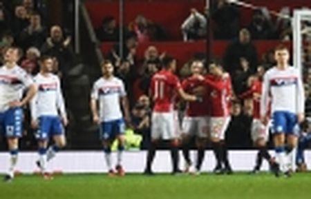 02h45 ngay 11/02, Napoli vs Genoa: Buoc dem cho Champions League - Anh 10