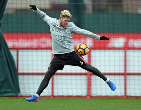 Sturridge hoa ninja tren san tap, Liverpool san sang chien Tottenham - Anh 10