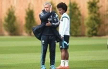 Man Utd kem Chelsea 14 diem, HLV Conte van lo so - Anh 5