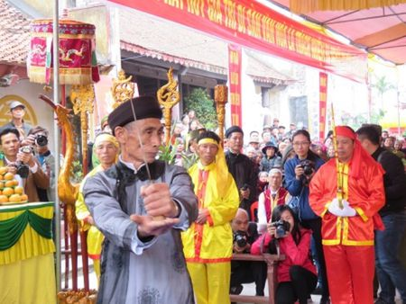 Le hoi Minh The o Hai Phong: Bao gio vuot qua cap thon? - Anh 1