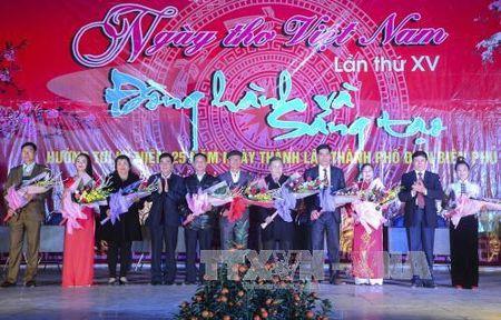 Ton vinh thanh tuu tho ca Viet Nam - Anh 1