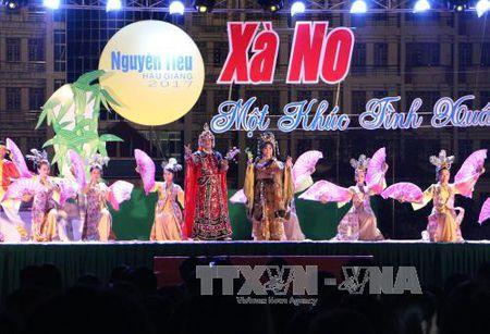 Ton vinh thanh tuu tho ca Viet Nam - Anh 2