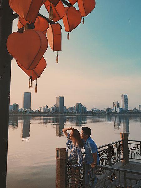 Bat ngo truoc hanh dong 'ham nong tinh cam' cua Khanh Thi - Phan Hien - Anh 6