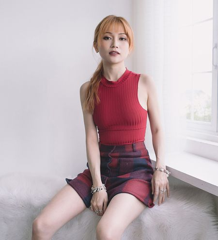 "Sau mot nam khoe ve sexy, Si Thanh tro lai voi hinh anh ""cuc ngau"" - Anh 2"