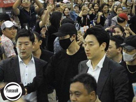 Hon loan canh fan Thai tien Lee Min Ho ve nuoc tai san bay - Anh 3