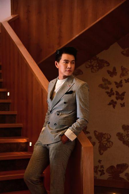 A hau Thuy Van khien MC Vu Manh Cuong chanh long mua Valentine - Anh 10