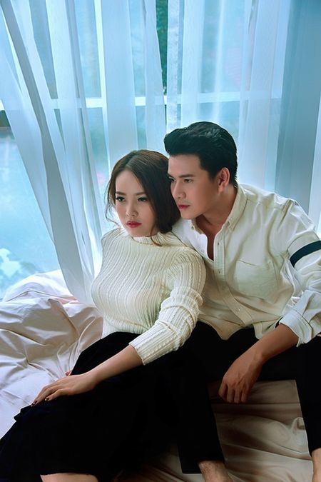 A hau Thuy Van khien MC Vu Manh Cuong chanh long mua Valentine - Anh 2