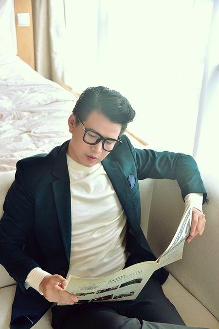 A hau Thuy Van khien MC Vu Manh Cuong chanh long mua Valentine - Anh 4
