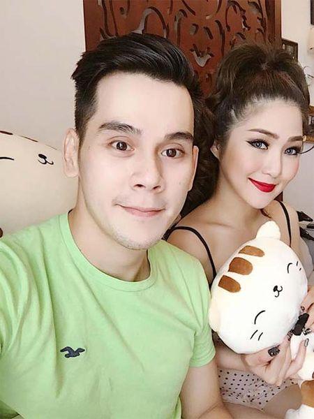 "Sao Viet 24h qua: Huong Tram khien fan ""mung hut"" khi khoe qua Valentine som - Anh 2"