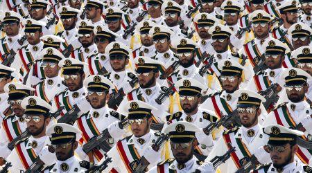 My xem Luc luong Ve binh cach mang Iran la to chuc khung bo? - Anh 1
