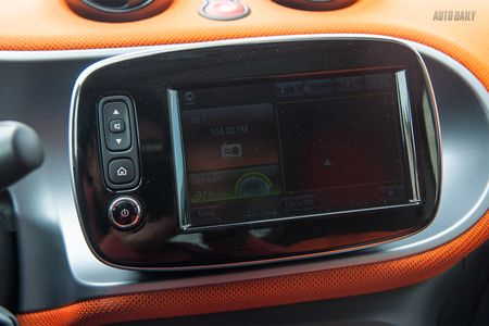 Can canh Smart Fortwo 2016 – Citycar 2 cho gia hon 1 ty tai Ha Noi - Anh 7