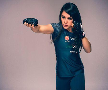 My nhan moi UFC: Xinh nhu ngoc, vo cao cuong - Anh 7