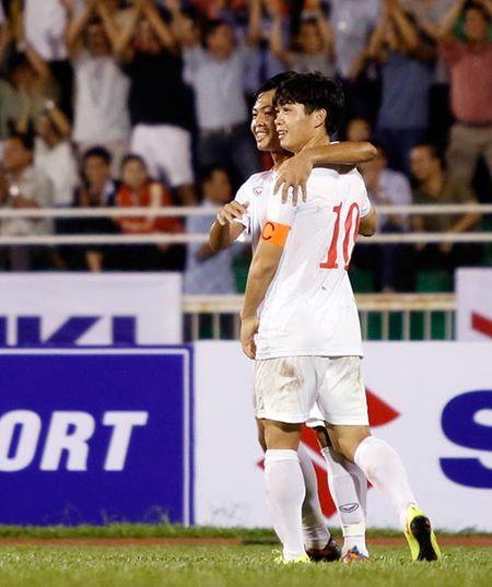 "HLV Huu Thang vui vi Cong Phuong & U23 VN ""khoe"" sau Tet - Anh 1"