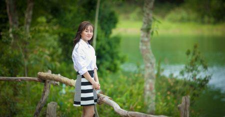 Vy Oanh sanh doi cung trai dep trong phim moi - Anh 3