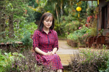 Vy Oanh sanh doi cung trai dep trong phim moi - Anh 8
