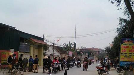 Hai nguoi thuong vong sau cuoc ruou trong dem - Anh 1