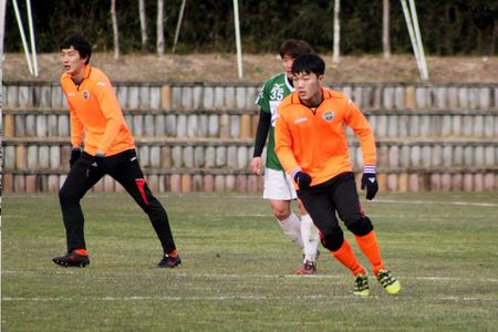 BAN TIN the thao: Xuan Truong ra san, Gangwon FC dai thang 4-0 - Anh 1