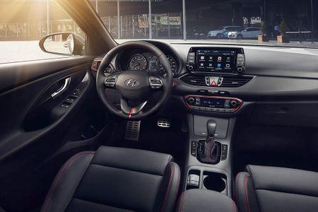 Ra mat Hyundai Elantra GT 2018 hoan toan moi - Anh 8