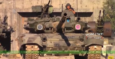 Xe tang T-90K Nga khai hoa diet phien quan Syria o Aleppo (video) - Anh 1