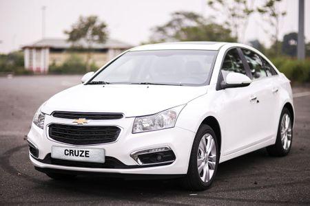 Bang gia xe Chevrolet thang 2/2017 tai Viet Nam - Anh 1
