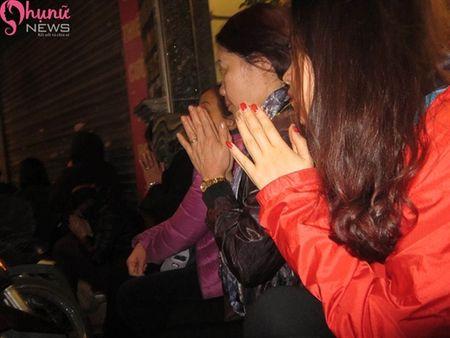 Hon 7000 nguoi do ve chua Phuc Khanh cau an dau nam - Anh 13