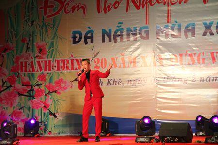 Da Nang: Thi ca song doi trong dem Tho Nguyen tieu 2017 - Anh 11