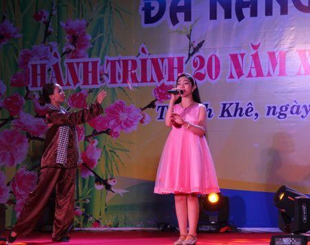 Da Nang: Thi ca song doi trong dem Tho Nguyen tieu 2017 - Anh 5