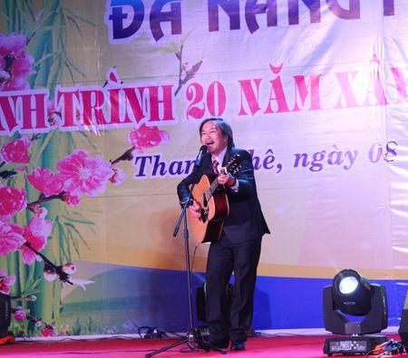 Da Nang: Thi ca song doi trong dem Tho Nguyen tieu 2017 - Anh 6