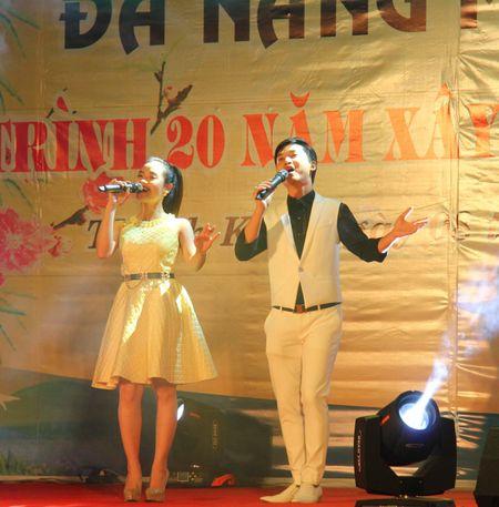 Da Nang: Thi ca song doi trong dem Tho Nguyen tieu 2017 - Anh 7