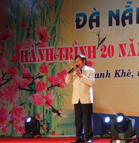 Da Nang: Thi ca song doi trong dem Tho Nguyen tieu 2017 - Anh 8