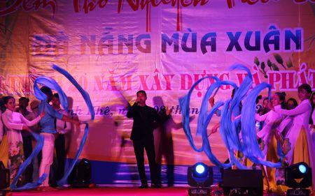 Da Nang: Thi ca song doi trong dem Tho Nguyen tieu 2017 - Anh 9