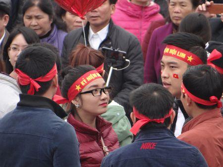 Bac Ninh: Gioi tre bay to tinh yeu dat nuoc trong Hoi Lim - Anh 3