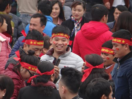 Bac Ninh: Gioi tre bay to tinh yeu dat nuoc trong Hoi Lim - Anh 4