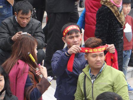 Bac Ninh: Gioi tre bay to tinh yeu dat nuoc trong Hoi Lim - Anh 5