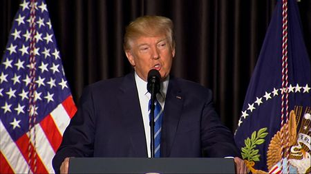 Tong thong Trump tuc gian sau phan quyet cua toa phuc tham ve sac lenh di tru - Anh 1