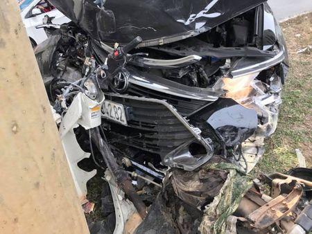 Ha Noi: Lai xe Camry dam lien hoan xe may khien 2 nguoi bi thuong - Anh 4
