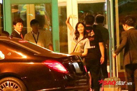 YoonA (SNSD) 'luu luyen khong roi', chia tay fan Viet len duong ve Han Quoc - Anh 7