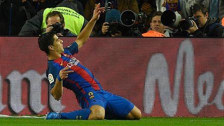 Cai tao toilet, Chu tich Real dap tan giac mong cua Barcelona - Anh 2