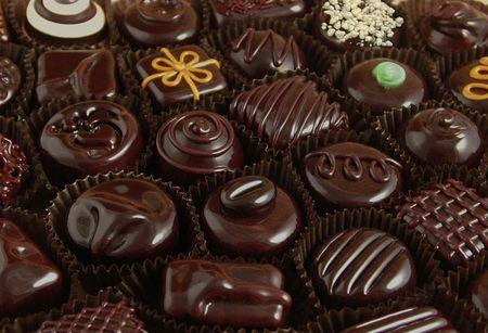 Kinh nghiem phan biet socola that – gia cho ngay Valentine - Anh 1