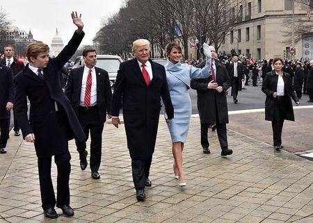 Donald Trump - Tong thong My bi doa am sat nhieu vo dich - Anh 1