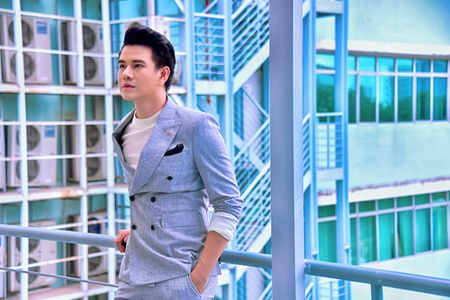 A hau Thuy Van khien Vu Manh Cuong chanh long mua Valentine - Anh 8