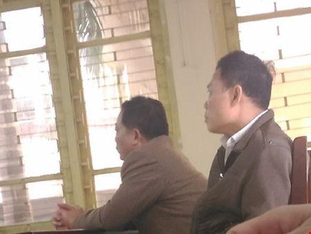 Hai can bo lam oan ong Chan xin huong an treo - Anh 1